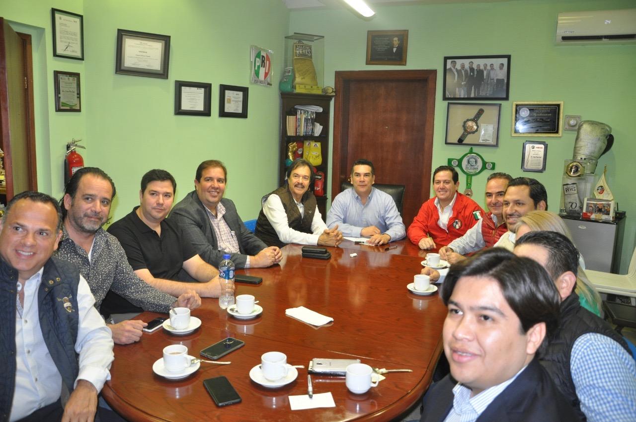 Se reúne líder Nacional del PRI con cúpula Cetemista de N.L.