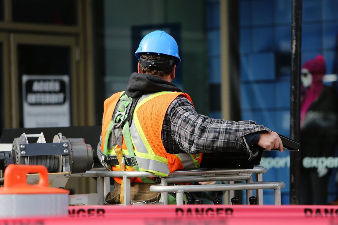 5 recomendaciones para un entorno laboral seguro en las empresas no esenciales